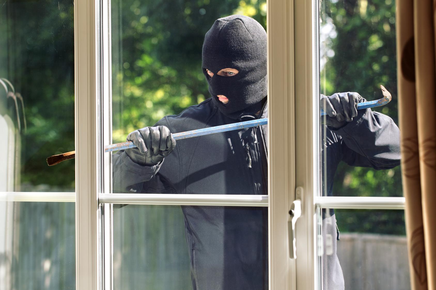 Auch gegen den Einbruchschaden ist man mit der Hausratversicherung gut versichert.